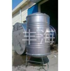 不锈钢圆柱型保温水箱