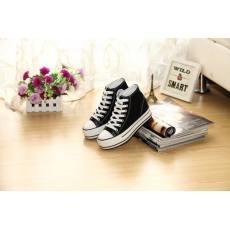 齐发娱乐官方网站_黑色胶鞋