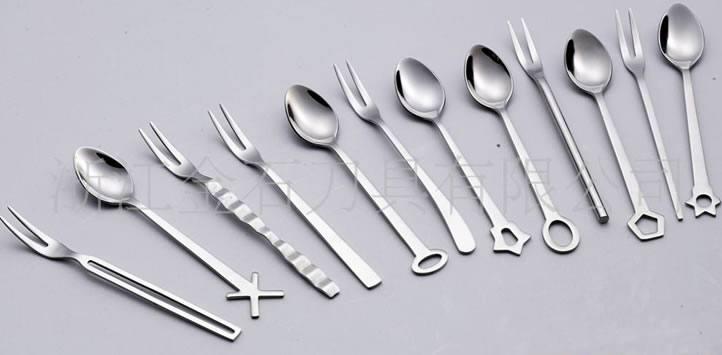 供应精致儿童餐具套件,12款样式