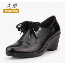 沈威春季新款中老年女鞋妈妈鞋真皮单鞋特价蕾丝坡跟老人鞋