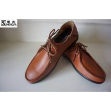 春夏季时尚休闲盛发真皮皮鞋 头等牛皮