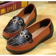 拼色女鞋平底鞋PU双色软底妈妈鞋