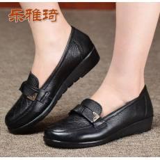 女单鞋舒适妈妈鞋坡跟女鞋子