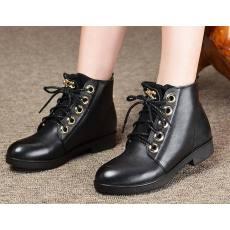 真皮时尚女靴短靴子英伦系带马丁靴Q4B513