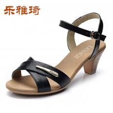 乐雅琦2014新款真皮时尚高跟防水台粗跟女鞋水钻凉鞋妈妈鞋X4A235