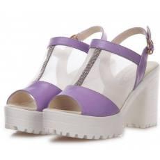 新款凉鞋女时尚凉拖水钻粗跟真皮厂家直销
