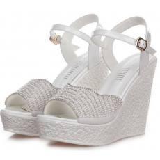 厂家直销新款时尚坡跟女士凉鞋