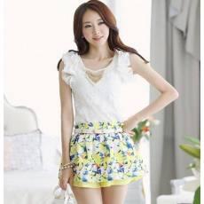 新款韩版时尚泡泡袖修身显瘦蕾丝衫 送项链