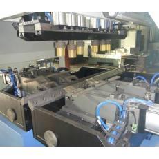 散热器自动扣压机2
