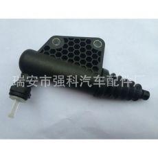 离合器分泵制动分泵铃木雨燕天语SX4羚羊奥拓23820-77JA1